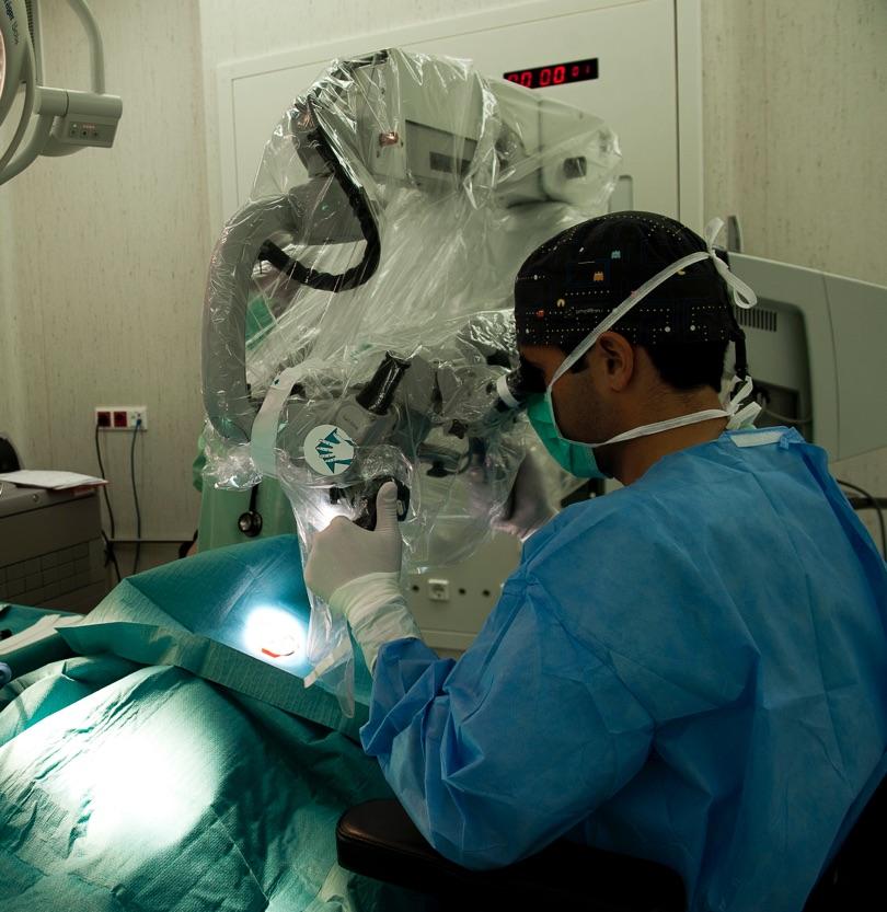 El implante coclear da respuesta al paciente que no resuelve su problema con audioprótesis